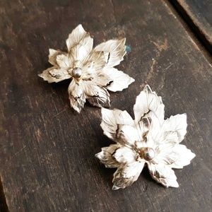 Vintage Sarah Coventry Maple Leaf Clip On Earrings